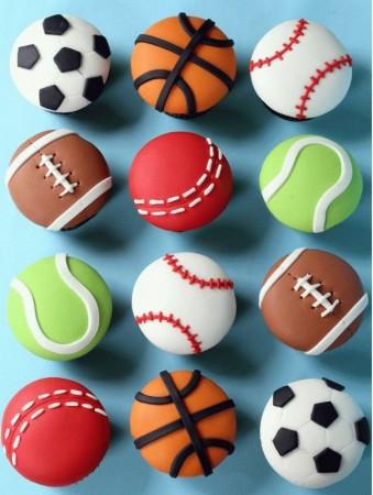 капкейки с мячами