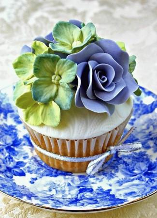 Капкейк свадебный с цветами