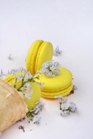 лимонный макарун
