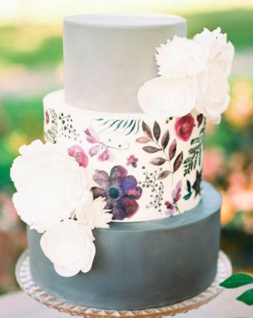 Свадебный торт в сахарной пасте