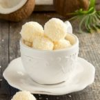 Найпопулярніший десерт на 8 березня: готуємо Raffaello