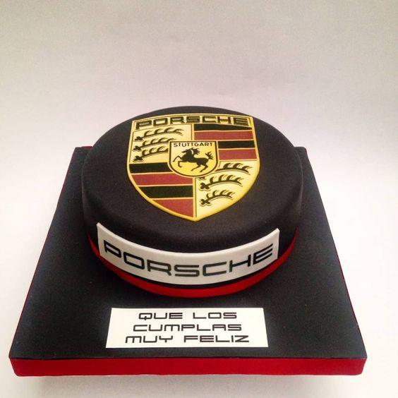 торт з логотипом