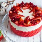 Как украсить торт клубникой: 5 креативных идей