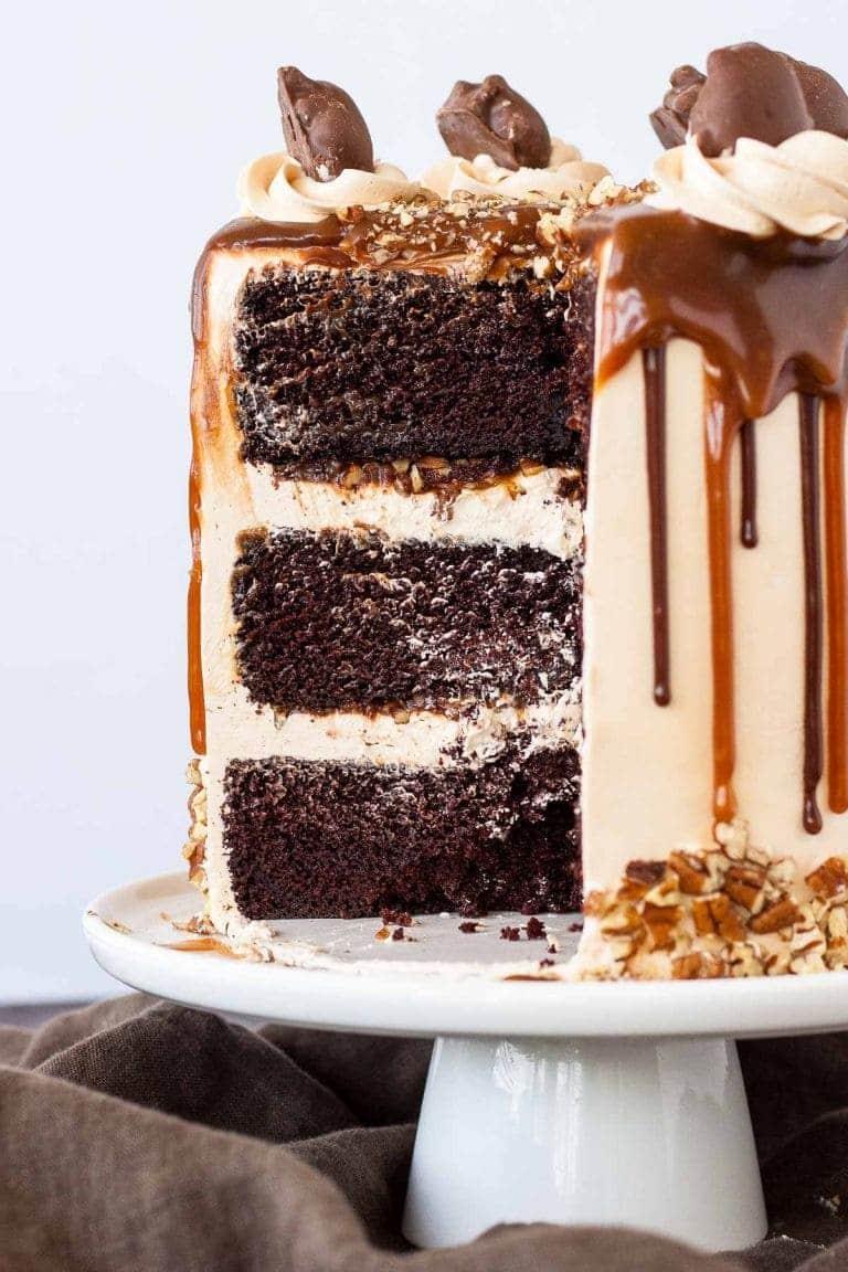 Карамельный торт с шоколадными коржами