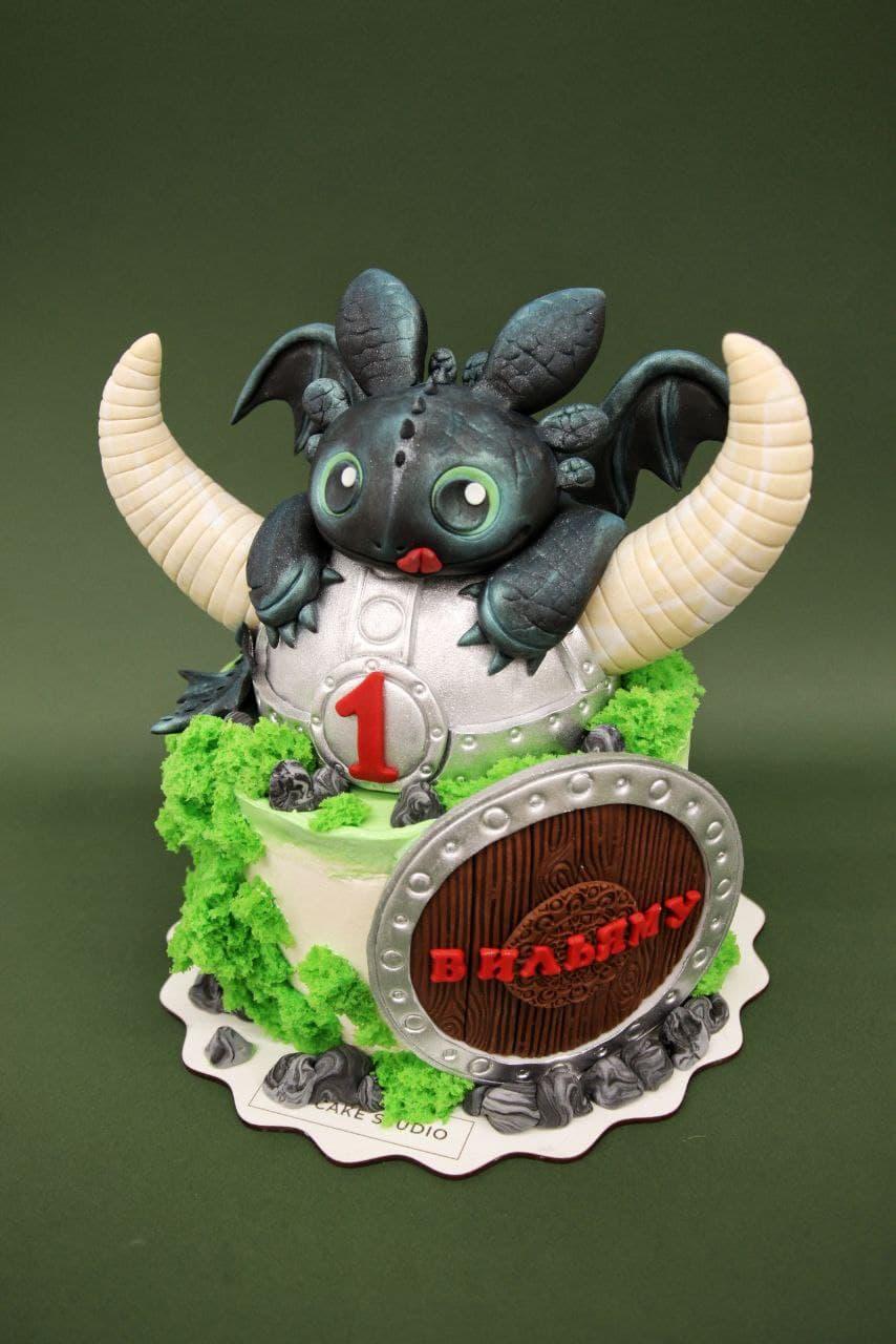 торт дракон беззубик